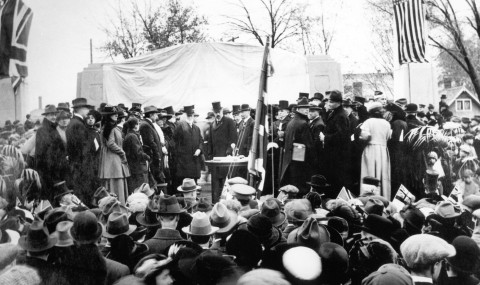 The unveiling of the Bell Memorial, October 1917